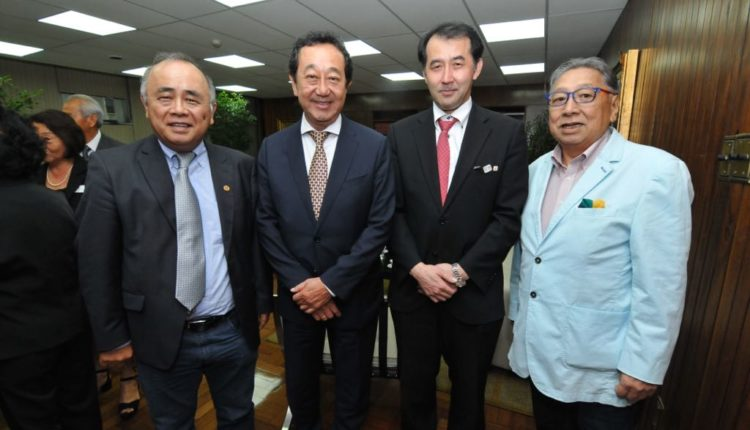 Pedro Kaká, Aurélio Nomura, cônsul Yasushi Noguchi e Raul Takaki (Fotos: Jiro Mochizuki e Aldo Shiguti)