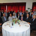 Bolsistas da nova e velha gerações (Jiro Mochizuki)
