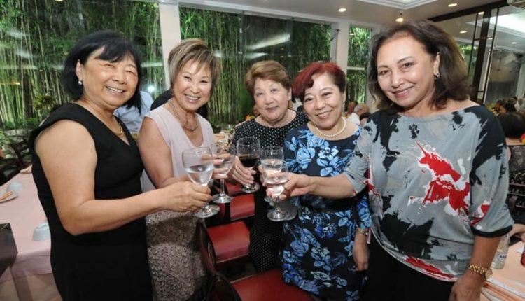 Felicia Harada com convidadas (Jiro Mochizuki)
