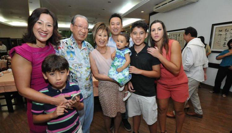 O casal com os filhos, Marcelo e Maris, a nora Raquel e os netos Luiz, Felipe e Melissa (Jiro Mochizuki)