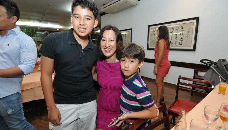 Maristela com os filhos Felipe e Luiz (Jiro Mochizuki)