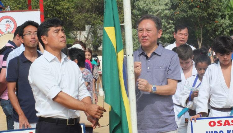 O deputado estadual Hélio Nishimoto e o deputado federal Walter Ihoshi (Aldo Shiguti)