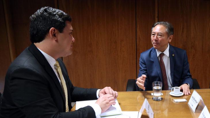 O ministro do Trabalho Helton Yomura e o deputado federal Walter Ihoshi (Divulgação)