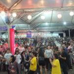 Público compareceu em peso à Praça Beira Rio na noite de sexta (Aldo Shiguti)