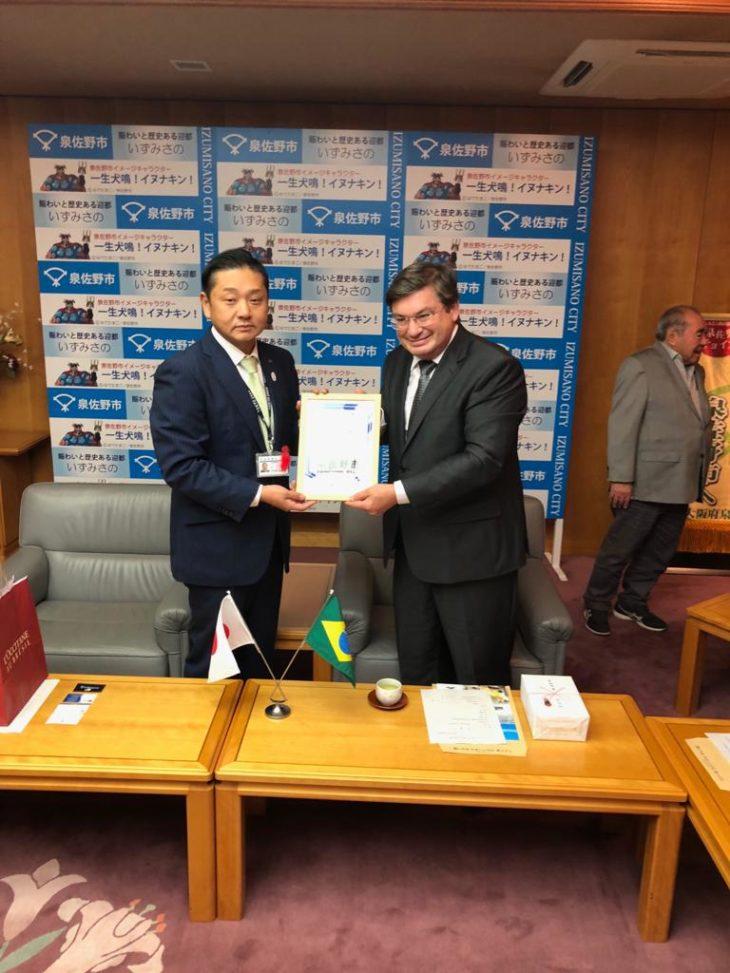 O prefeito de Marília, Daniel Alonso, com o prefeito de Izumisano (Arquivo pessoal)