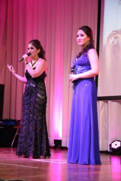 Izadora com a irmã, Mariana (Massao Yamada)