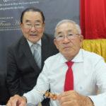 O empresário com Oswaldo Nagao (Aldo Shiguti)