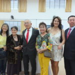 O empresário com Keiko Fujise, Júlia Kitagawa, Miyuki e Hissao (Aldo Shiguti)