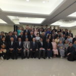 Parte dos convidados e autoridades posam para a foto oficial (Aldo Shiguti e Jiro Mochizuki)