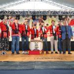 Cônsul geral, diretores e autoridades fazem o tradicional brinde (Jiro Mochizuki)
