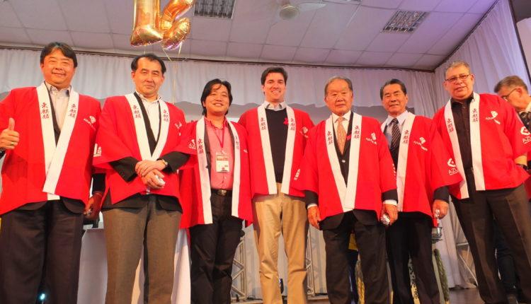 Diretoria do Nipo com autoridades e convidados (Aldo Shiguti)