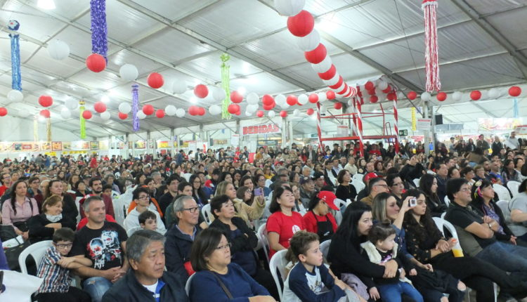 Público na arena de show (Aldo Shiguti)